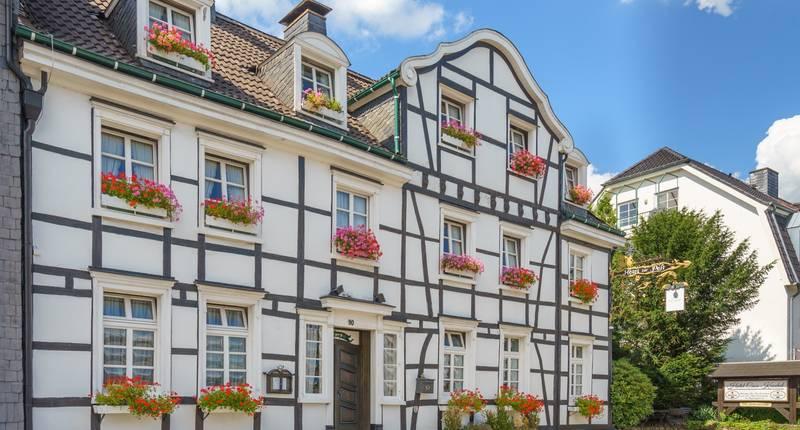 hotel casa kuschel in wermelskirchen bei. Black Bedroom Furniture Sets. Home Design Ideas